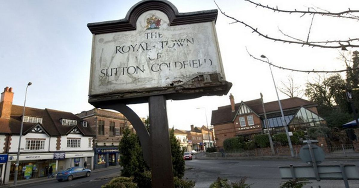 an old Royal Town sign